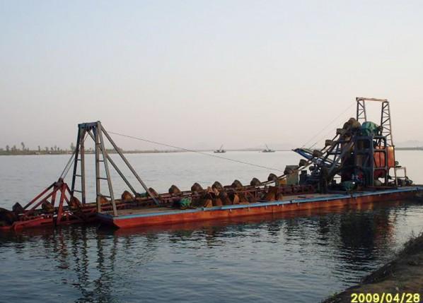 出口朝鲜挖沙船